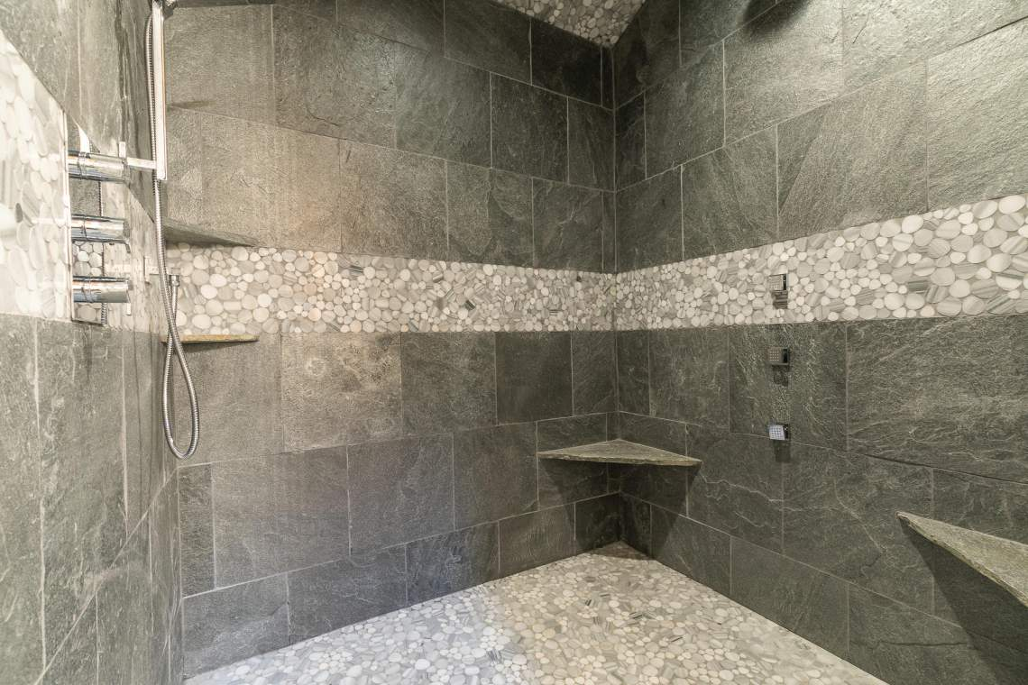 2110 Eagle Feather Court Big-031-52-Master Bathroom-MLS_Size