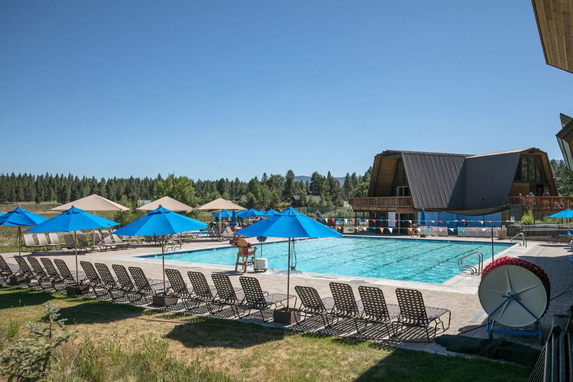 10510-The-Strand-Truckee-CA-028-007-HOA-Clubhouse-and-Pool-MLS_Size