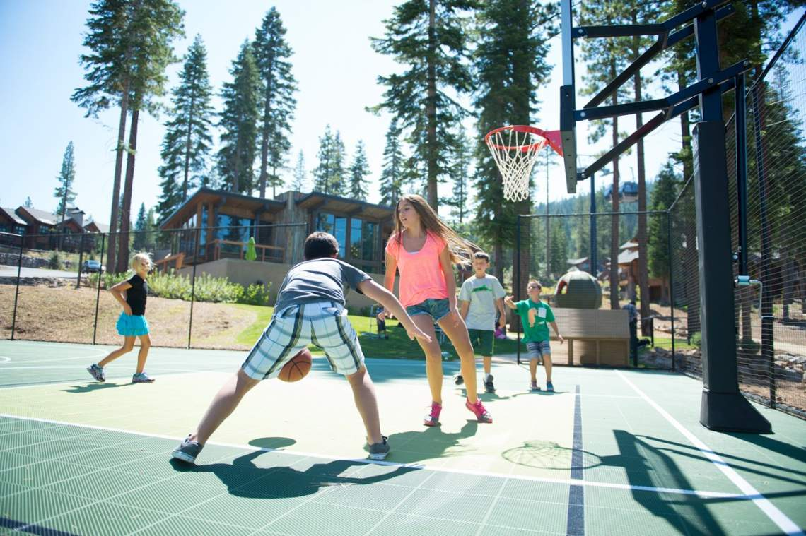 tree house_outdoor sport court